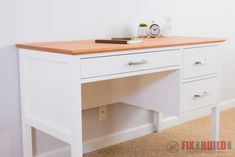 DIY Desks for Your Home Office Simple DIY desk with drawers Related posts: Creative diy Desk Designs Ideas for Office & Home Home Office, Diy Office Desk, Diy Desk, Diy Organizer, Desk Organization Diy, Diy Drawers, Desk With Drawers, Craft Tables With Storage, Diy Home