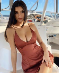 The most beautiful and sexy models as we like to see. Looks Pinterest, Femmes Les Plus Sexy, Brunette Beauty, Beauty Full Girl, Beautiful Indian Actress, Sexy Hot Girls, Indian Beauty, Malta, Gorgeous Women