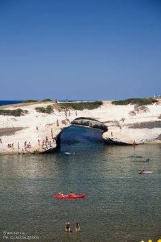 #Sardegna, le acque magiche di #Cuglieri | Nella foto S'Archittu by @kalaris ©