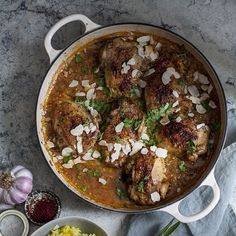 Andalusische kip stoofschotel met gele rijst - Bijzonder Spaans Tapas, Beef Recipes, Healthy Recipes, Game Recipes, Recipies, Chicken Recepies, Quick Weeknight Dinners, Foods To Eat, Everyday Food