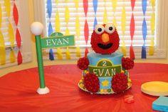 Elmo cake!! 1st Birthday Parties, Birthday Cakes, 2nd Birthday, Sesame Street Cake, Elmo Cake, Elmo Party, Cakes And More, Party Cakes, Geo