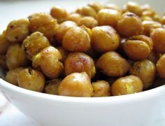Roasted chickpeas aka pulses flavored with Thai spices. Vegan, gluten free roast… Roasted chickpeas aka pulses flavored with Thai spices. Chickpea Snacks, Vegan Snacks, Healthy Snacks, Healthy Recipes, Savory Snacks, Yummy Snacks, Yummy Food, Ww Recipes, Whole Food Recipes