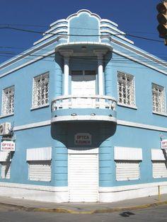 Honduras Tegucigalpa, Honduras by Corner shop with housing (I assume) above. Tegucigalpa, Costa Rica, Architecture Tumblr, Honduras Travel, Archaeological Finds, Art Deco Design, Latin America, Places Around The World, Central America