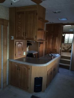 www.M37Auction.com: 2007 Montana 3400 RL Fifth Wheel RV Trailer - Loaded and Clean - 4 Slide Outs - Excellent Condition