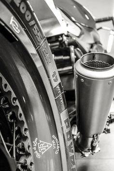 """R """"Goodwood - RocketGarage - Cafe Racer Magazine Custom Bmw, Custom Bikes, Suzuki Cafe Racer, Cafe Racers, Harley Davidson, R1200r, Triumph Rocket, Cafe Racer Magazine, Car Insurance Rates"""