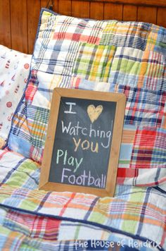 Love notes on the bed. Great ideas to make your family feel loved