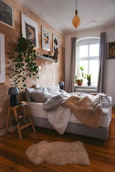 Die 3 Säulen der Gemütlichkeit im goldenen Herbst - fridlaa - Décoration Intérieure Room Ideas Bedroom, Home Decor Bedroom, Cosy Home Decor, Home Decoration, Bedroom Designs, Aesthetic Room Decor, Cozy Room, Dream Rooms, New Room