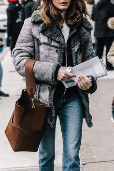 74830eb83796 31件】ポーチ&バック |おすすめ画像| 2019 | Fashion styles、Fashion ...