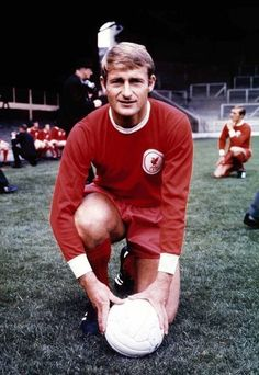 Liverpool FC legend Roger Hunt stamped his name in Merseyside derby folklore forever Football Icon, Best Football Team, Football Program, School Football, Sport Football, Football Players, Liverpool Home, Liverpool England, Liverpool Football Club
