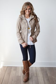 cute jacket Military Jacket Outfits, Utility Jacket Outfit, Khaki Jacket, Green Jacket, Cute Jackets, Fall Jackets, Casual Outfits, Cute Outfits, Fashion Outfits
