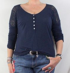 Lucky Brand Blouse M size Blue Lace Shoulder Tee Shirt Stretch Top