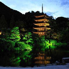 国宝瑠璃光寺五重塔ライトアップ(山口市)