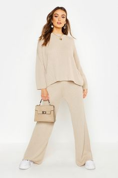 Winter Fashion Outfits, Pop Fashion, Casual Outfits, Loungewear Outfits, Loungewear Set, Wide Leg Trousers, Pants Outfit, Latest Fashion For Women, Street Style Women