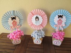 Lindo centro de mesa com aplique em scrap da boneca kokeshi, feito com papel 180gr . 1st Birthday Themes, Baby Birthday, Birthday Parties, Japanese Birthday, Japanese Party, Diy And Crafts, Crafts For Kids, Doll Party, Kokeshi Dolls