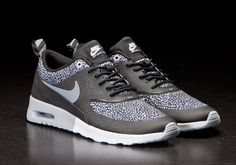 Or these new trainers? Nike Pants, Nike Shoes, Nike Inspiration, Style Inspiration, Airmax Thea, Cheap Air Max 90, Air Max Sneakers, Sneakers Nike, Air Max Classic