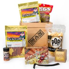 Another great Man Crate - this one is all about BACON!!!  I'm convinced that most men love bacon!