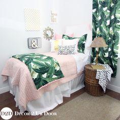 Pretty pink paradise perfect for dorm room preppy dorm room Palm Leaf Pastel Pink Designer Dorm Bedding Set College Bedding Sets, Dorm Bedding Sets, Teen Girl Bedding, Comforter Sets, Preppy Bedding, King Comforter, Pink Dorm Rooms, Pink Room, Bedroom Decor