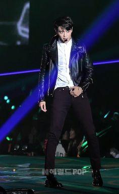 o-o oh my gosg. Shinee Minho, Lee Taemin, Jonghyun, Korean Model, Korean Singer, Shinee Members, Korean K Pop, Choi Min Ho, Kim Kibum