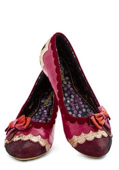 Singing Scales Flat. Before tonights showcase, warm up your voice while looking wonderful in these scalloped flats by Irregular Choice! #pink #modcloth