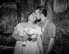 "Check out new work on my @Behance portfolio: ""Ceci & Cris Wedding"" http://be.net/gallery/64197333/Ceci-Cris-Wedding"
