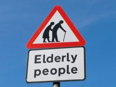 Peatones y conductores mayores son los que mas accidentes de trafico tienen en las zonas urbanas, segun un informe de la FUNDACION MAPFRE.