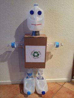 Recycled Robot, Recycled Crafts Kids, Recycled Art Projects, Easy Crafts For Kids, Earth Day Projects, Earth Day Crafts, Projects For Kids, Recycling For Kids, Monster Crafts