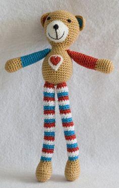 Haakpatroon Beertje Jip Crochet For Kids, Diy Crochet, Crochet Toys, Crochet Baby, Knitted Animals, Free Pattern, Diy And Crafts, Crochet Necklace, Applique