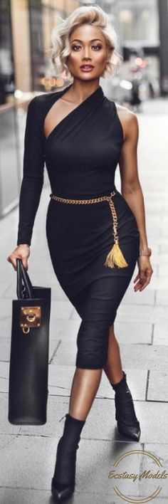 Sexy Black Chic // Dress by @santinanicole_thelabel // Fashion Look by Micah Gianneli