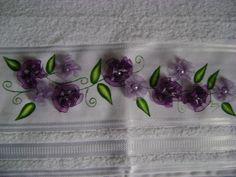 Toalha rosto com flores de fita de voal