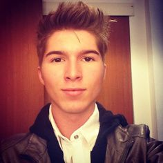 Paul Butcher. (Dustin from Zoey 101) Thank you puberty.