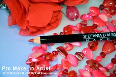 NEW! lip pencil RED by Stefania D'alessandro MATITE PROFESSIONALI STEFANIA D'ALESSANDRO MAKE-UP http://makeupartistgiorgia.blogspot.it/2014/04/matite-professionali-stefania.html