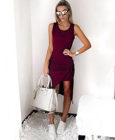 A gata @bianca_petry fez o #look com o nosso novo vestido queridinho do momento! |✨#BigCityCollection  já está disponível para compras no nosso site WWW.JUBILIE.COM.BR | Vestido Nápoles | R$99,90 | Disponível em vinho (foto), cinza e preto | ENTREGAMOS PARA TODO BRASIL | #JubilieStore