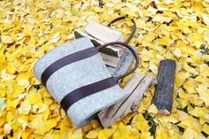 fireware - TheBag  stylish and comfortable transportation of wood in 4 different styles out of leather and felt. regional manufactured in middle Germany
