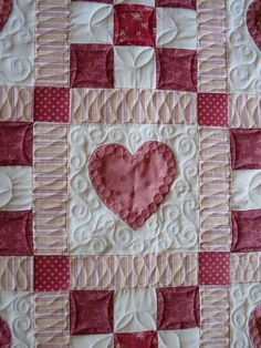 Hearts Baby Quilt by fourseasonsquiltswap, via Flickr
