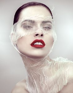 Homemade Face Masks That Will Make You Glow Create these easy DIY facials in your kitchen on the cheapCreate these easy DIY facials in your kitchen on the cheap Makeup Art, Beauty Makeup, Hair Makeup, Makeup Eyes, Easy Face Masks, Homemade Face Masks, Beauty Photography, Portrait Photography, Images Esthétiques