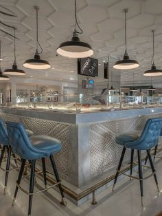 GEALES RESTAURANT, Le Royal Meridien resort. Union Jack bar front panels by Giles Miller Studio.