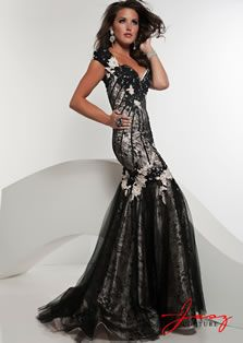 6ab6603b9e Look flawless for your big night out in this Jasz Couture 4888 evening gown.  This dress has cap sleeves with ornate lace applique.