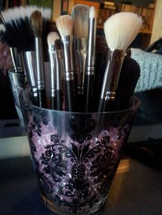 DIY make-up brush holder!