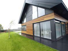 wiatrołap, okna,drzwi,  elewacje   www.alpinadesign.pl House In The Woods, My House, Amazing Architecture, Architecture Design, Facade House, Home Interior Design, Bungalow, Building A House, House Plans