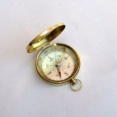 POCKET-FLAT-COMPASS-WITH-LID-A-SET-OF-TWO-BEAUTIFUL-AND-BRASS-COMPASS