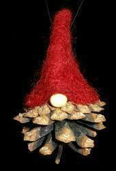Pine Cone Tomte Ornament - image only Christmas Gnome, Christmas Projects, Christmas Holidays, Norwegian Christmas, Scandinavian Christmas, Pine Cone Crafts, Holiday Crafts, Xmas Ornaments, Christmas Decorations