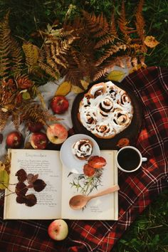 🍁wishing you a wonderful day🌹🍂know that you are in my thoughts always🌾🌞💛 Autumn Tea, Autumn Cozy, Autumn Leaves, Autumn Aesthetic, Christmas Aesthetic, Hygge, Autumn Scenery, Woodland Party, Cute Food