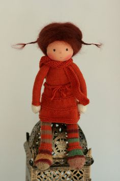 knitted dolls Handcrafted doll according to Waldorf pedagogy. The doll Lea is cm) long. Her head is sculpted in the traditional Waldorf style; the head is made of organic co Flower Fairies, Waldorf Dolls, Hello Dolly, Sheep Wool, Knitted Dolls, Knitted Blankets, Wool Yarn, Diy For Kids, Puppets