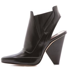 THE DAILY FIND: DEREK LAM BOOTIES