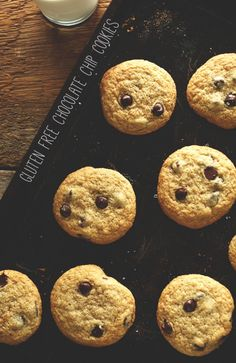 Gluten Free Chocolate Chip Cookies! So soft and chewy and only 7 ingredients required! minimalistbaker.com