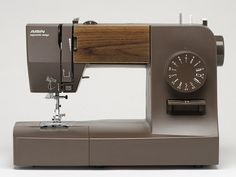 Japanese sewing machine. SPD15-BRW