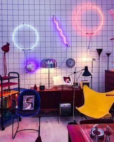 "sleazeburger: ""Design Shrine (Bi-Rite Studios in Greenpoint, NY) "" 80s Interior Design, 1980s Interior, Neon Bedroom, Retro Bedrooms, Decor Scandinavian, Retro Room, Aesthetic Rooms, My New Room, Interiores Design"
