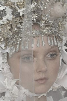 pivoslyakova: Lily Cole at Christian Lacroix Couture Lily Cole, Winter Fairy, Runway Makeup, Hair Decorations, Food Themes, Christian Lacroix, John Galliano, Artistic Photography, Girl Face