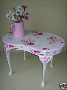 Cath Kidston-paper covered table