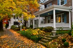lititz-street-autumn